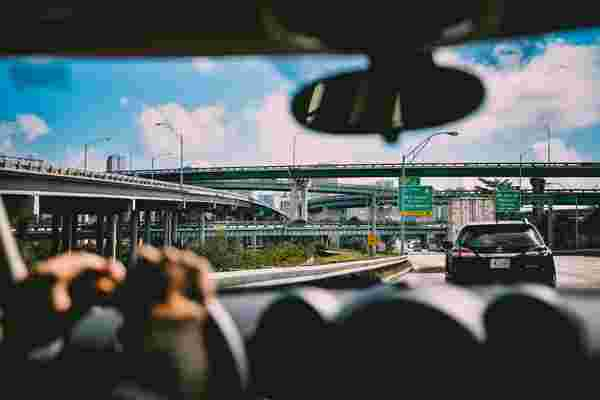 10 defensive driving tips